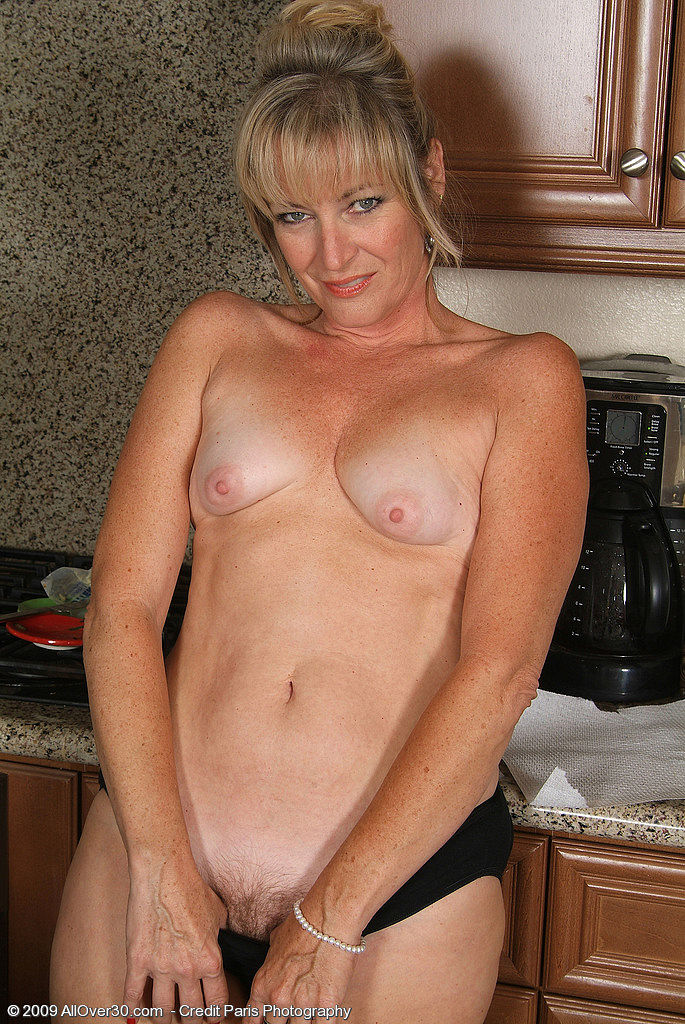 mature nude intim massasje